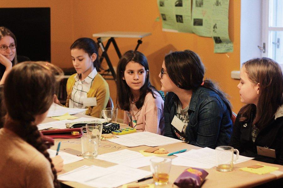 Книжный клуб в москве для подростков работа клубе москва